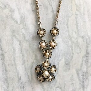 '60s / Flower Bomb Necklace